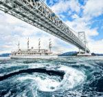 特別出港便「日本丸」で観る 鳴門海峡スーパーうずしおプラチナクルーズ